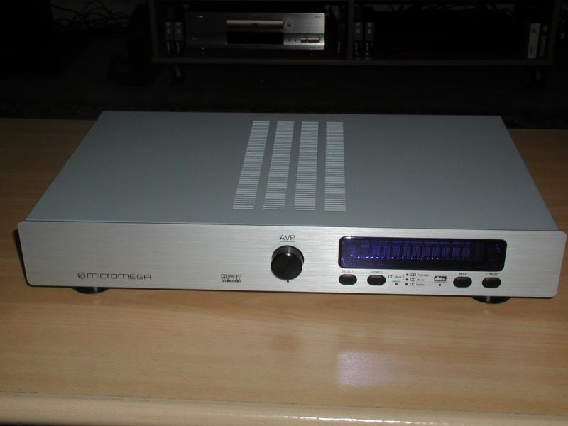 Micromega AVP 2005 V1 et V2
